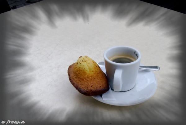 Un petit café-1