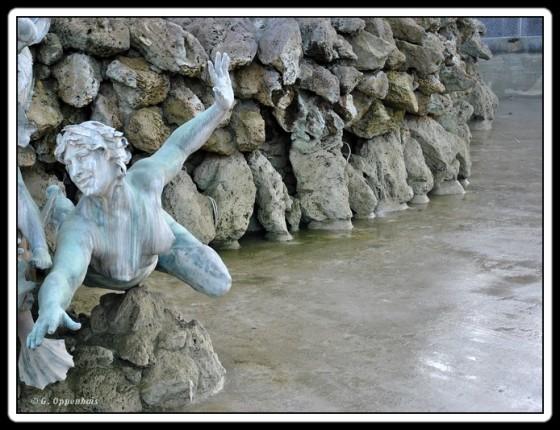 Bordeaux - Quinconces - détail fontaine
