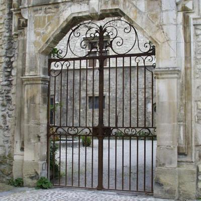 2329-portail-fer-forge-mesure-art-decoration-maison-jardin
